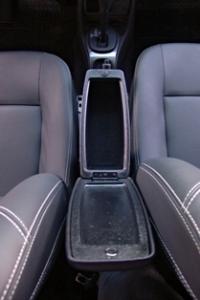 apoio-de-braco-renault-duster-em-couro- Auto330 Acessórios Foto 3